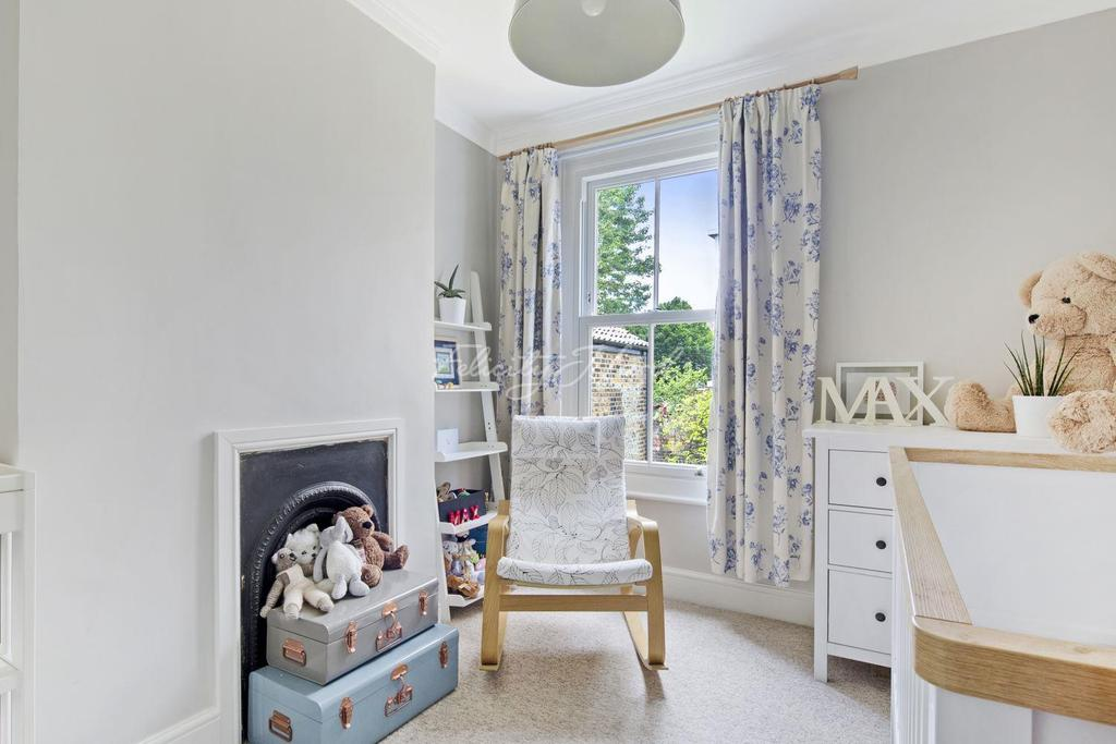 3 Bedrooms Terraced House for sale in Arrow Road, E3