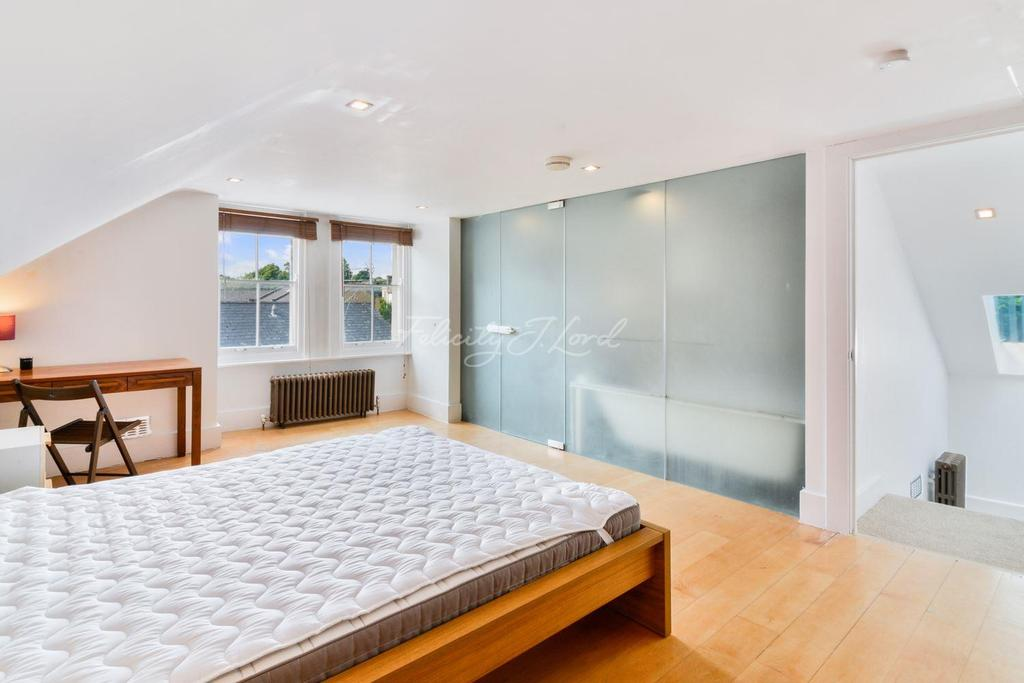 2 Bedrooms Flat for sale in Wallace Road, Islington, N1