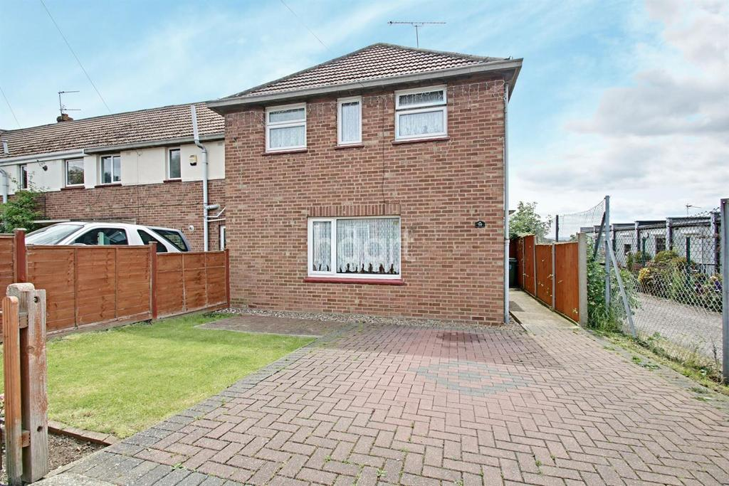 3 Bedrooms Semi Detached House for sale in New Road, Minster on Sea