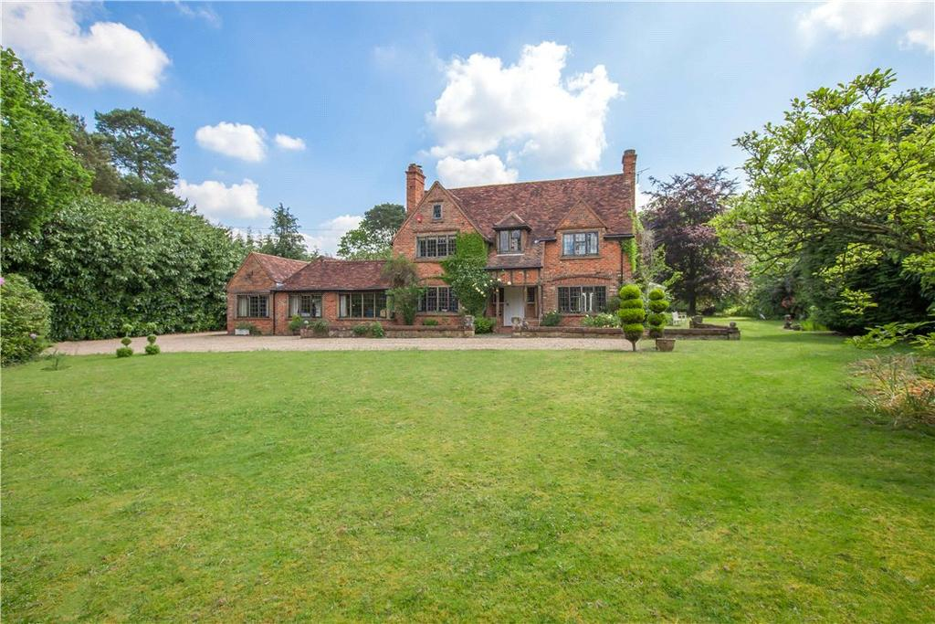 5 Bedrooms Detached House for sale in Pyebush Lane, Beaconsfield, HP9