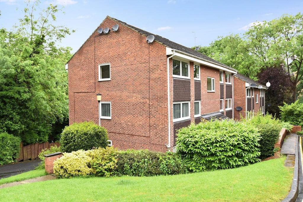 2 Bedrooms Apartment Flat for sale in Coppice Drive, Harrogate