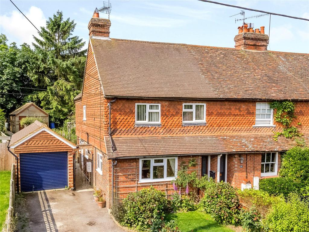 3 Bedrooms House for sale in Turners Mead, Chiddingfold, Godalming, Surrey
