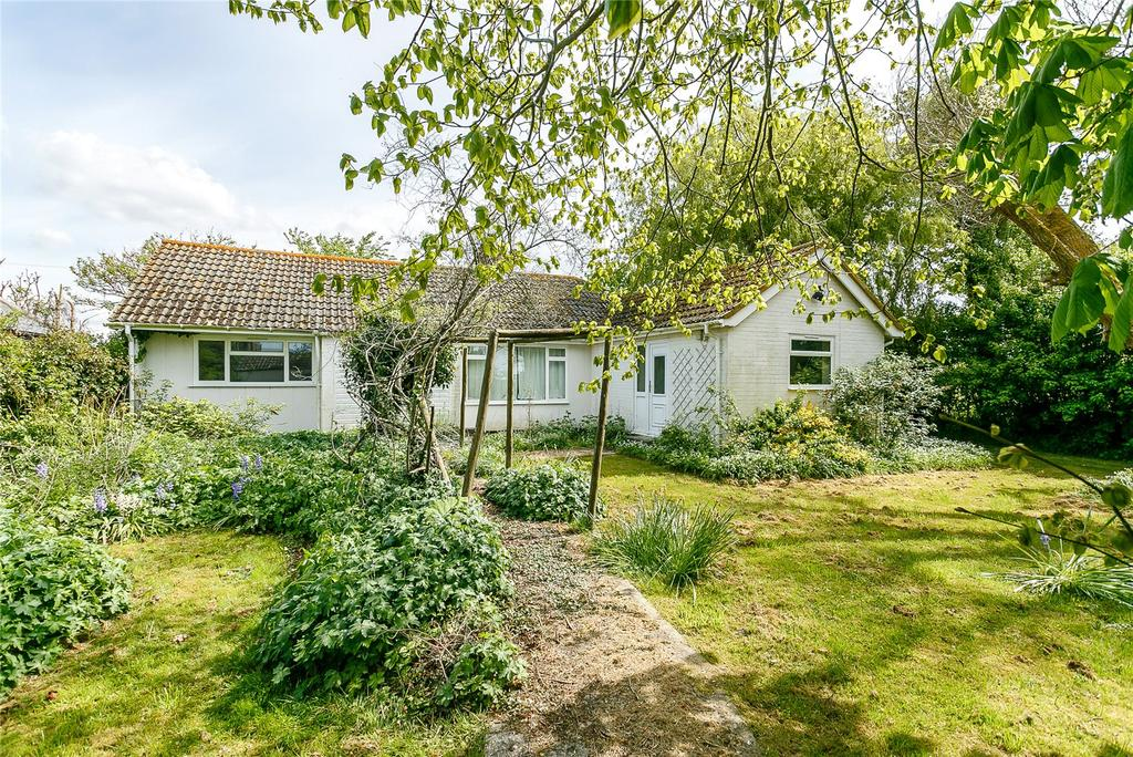 3 Bedrooms Detached Bungalow for sale in Mill Lane, Sidlesham, Chichester, West Sussex