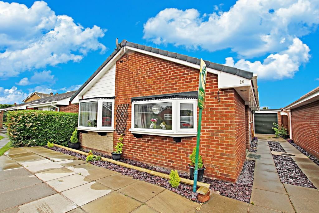 3 Bedrooms Detached Bungalow for sale in Elizabeth Avenue, Kirk Sandall, Doncaster