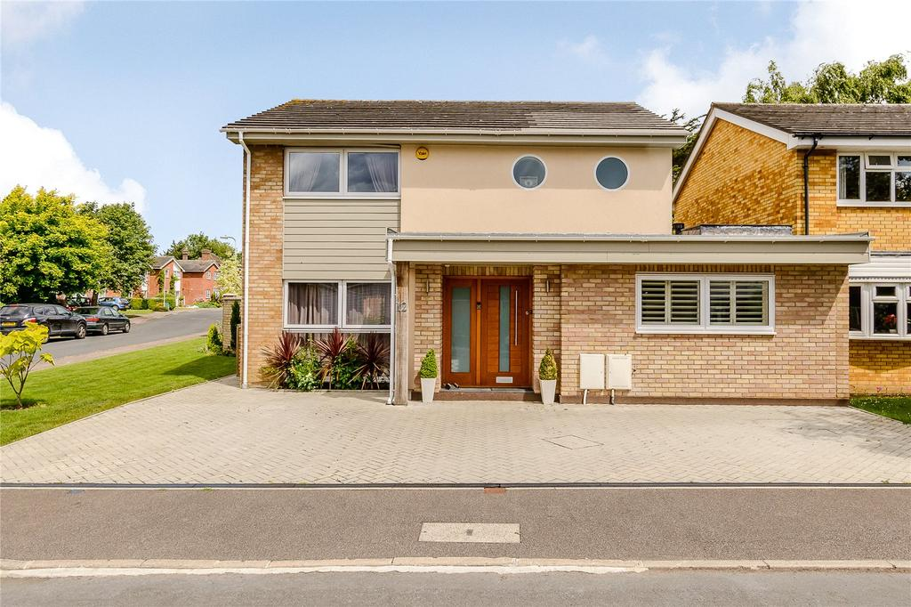 4 Bedrooms House for sale in Monks Horton Way, St. Albans, Hertfordshire