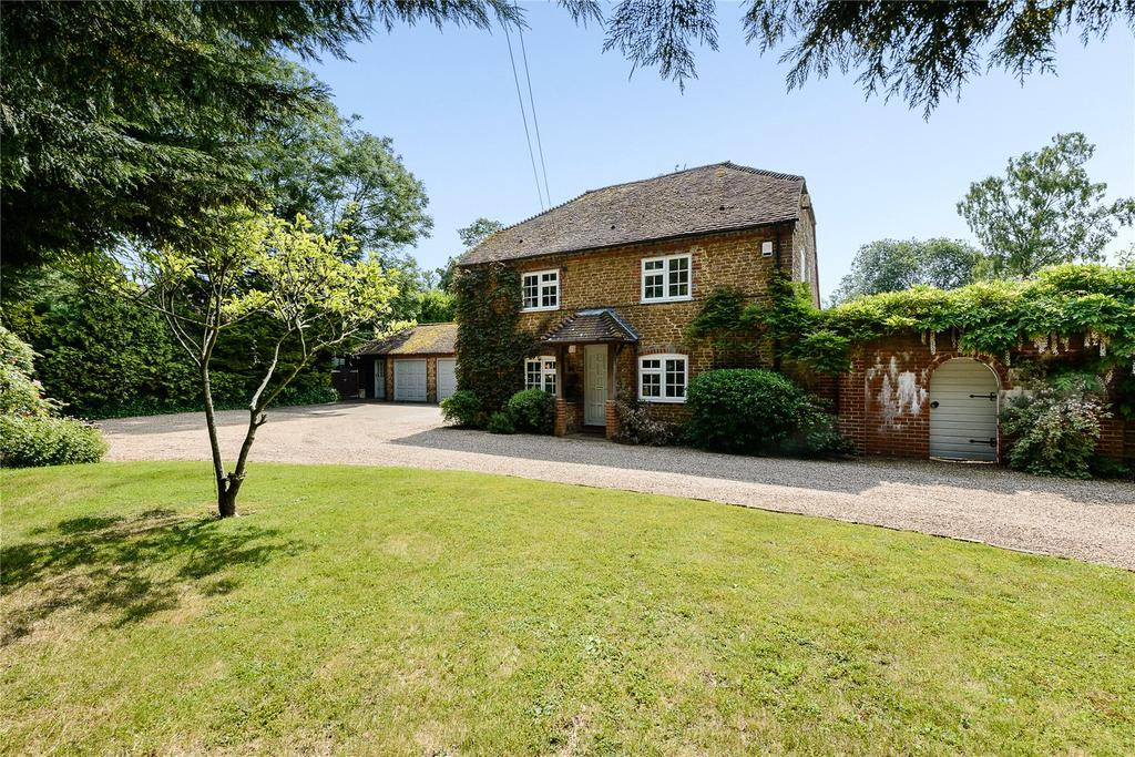 5 Bedrooms Detached House for sale in Petworth Road, Chiddingfold, Godalming, Surrey