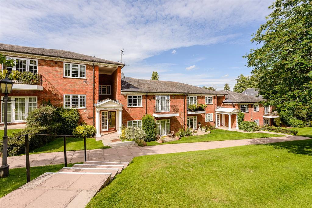 2 Bedrooms Flat for sale in Penn Haven, 3 Oak End Way, Gerrards Cross, Buckinghamshire