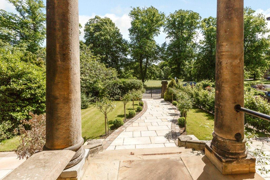 3 Bedrooms Apartment Flat for sale in Apartment 1, 18 Beech Grove, Harrogate, North Yorkshire, HG2