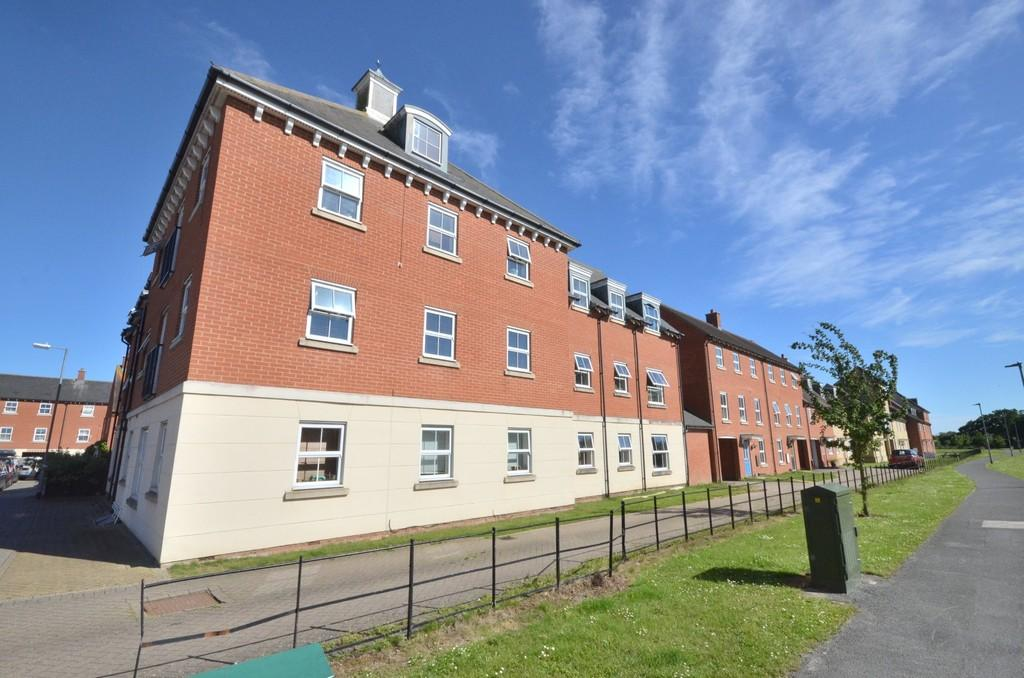 2 Bedrooms Apartment Flat for sale in Chariot Drive, Colchester, CO2 7QJ