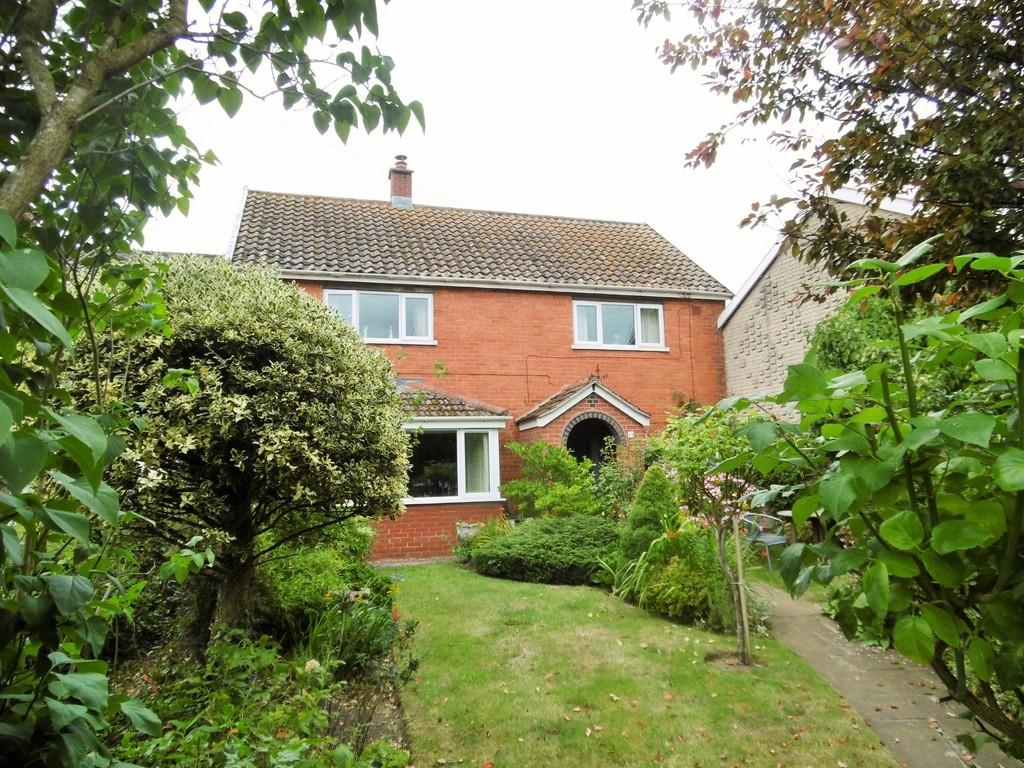 4 Bedrooms Terraced House for sale in Hales