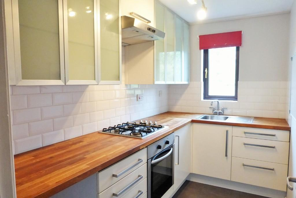 1 Bedroom Flat for sale in Loddon