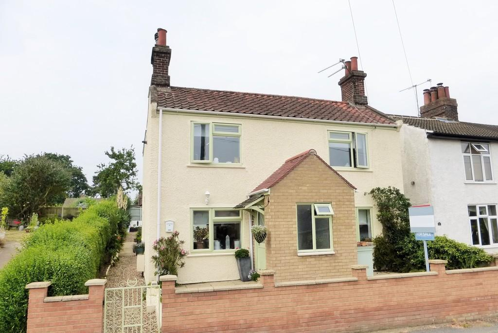 3 Bedrooms Cottage House for sale in Loddon