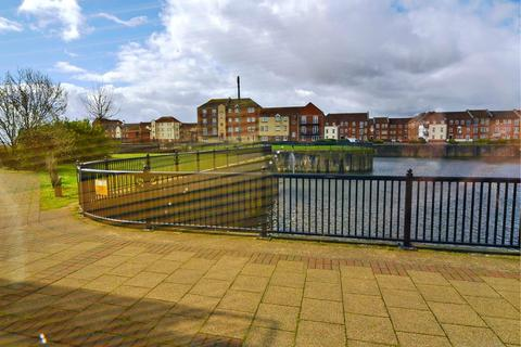 2 bedroom apartment for sale - 37 Lock Keepers Court Victoria Dock