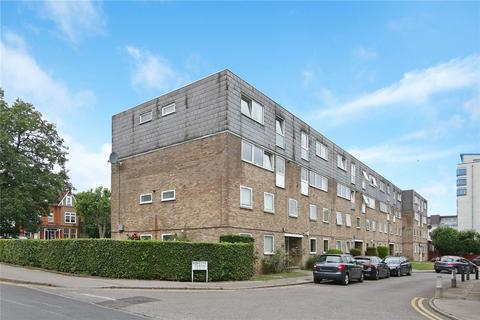 2 bedroom flat for sale - Kintyre Close, London, SW16
