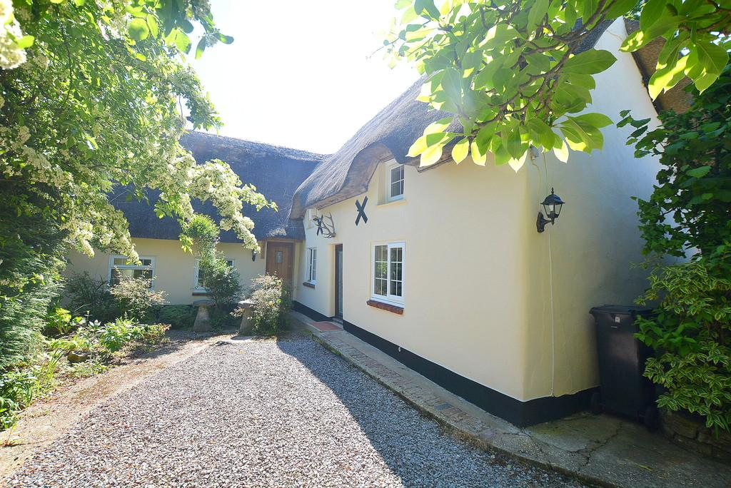 3 Bedrooms Cottage House for sale in Middlehill Road, Wimborne