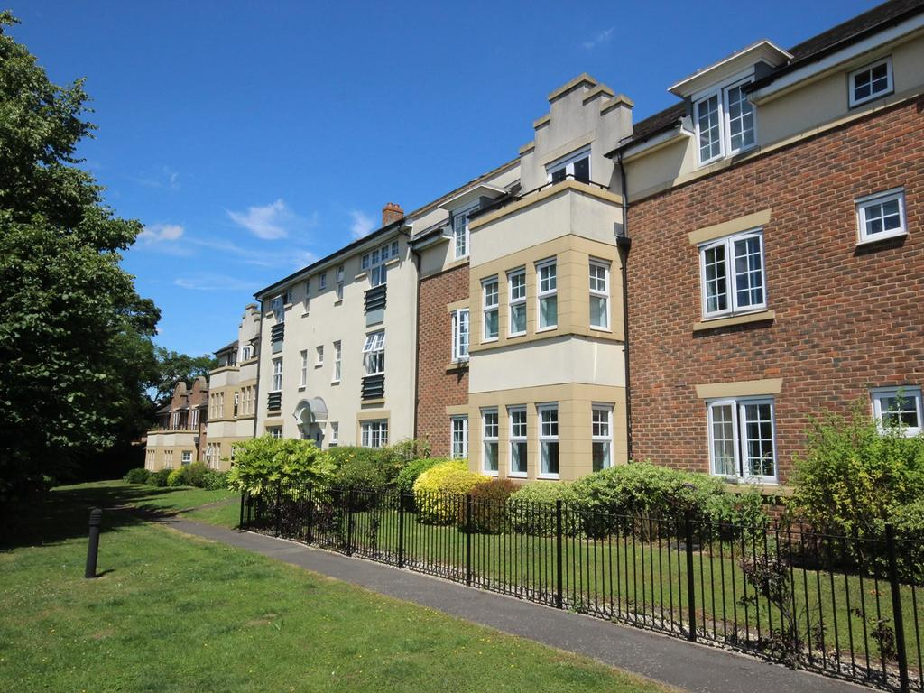 1 Bedroom Apartment Flat for sale in The Hawthorns, Flitwick, Bedford, MK45
