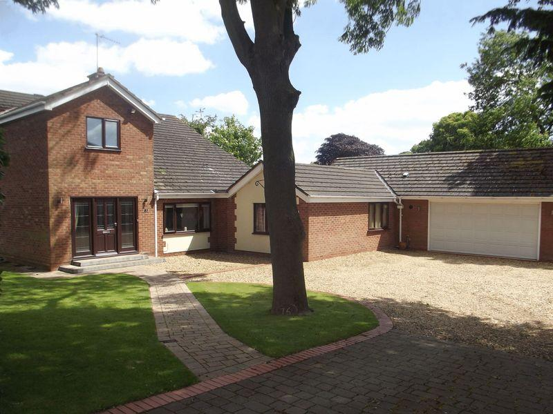 6 Bedrooms Detached House for sale in Marine Avenue, North Ferriby