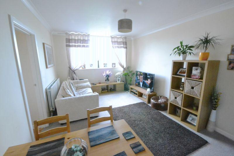 2 Bedrooms Apartment Flat for sale in Sanderling, Owls Road, Boscombe Spa, Bournemouth