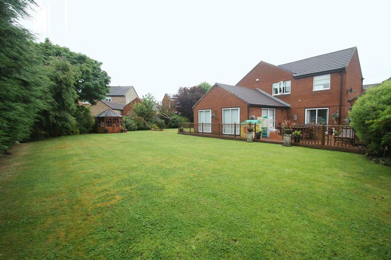 4 Bedrooms Detached House for sale in Dalby Close, Billingham
