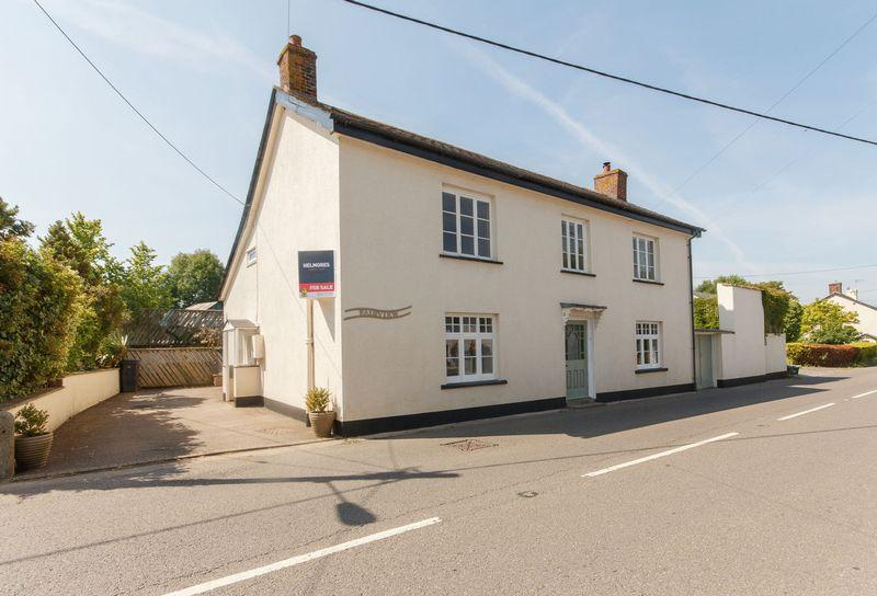4 Bedrooms Detached House for sale in Tedburn St. Mary, Exeter