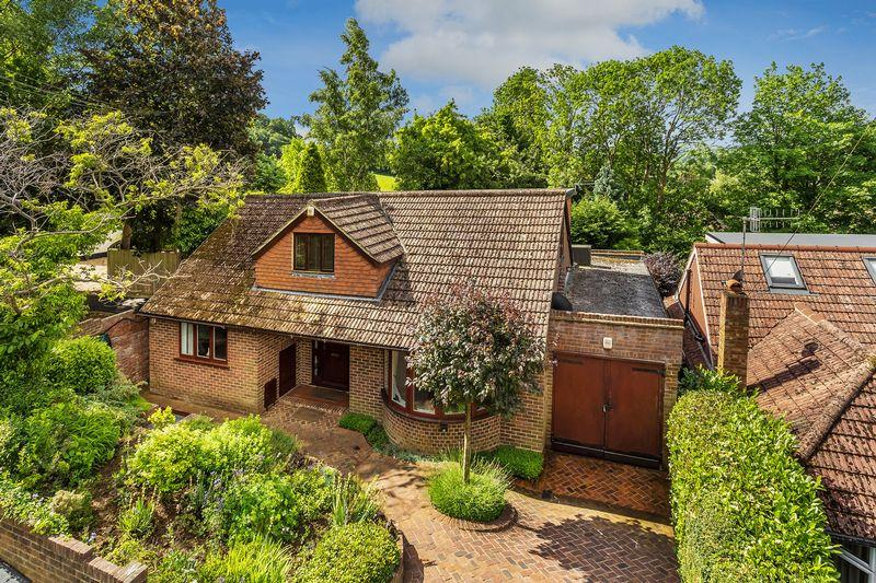 4 Bedrooms Detached House for sale in Wonersh