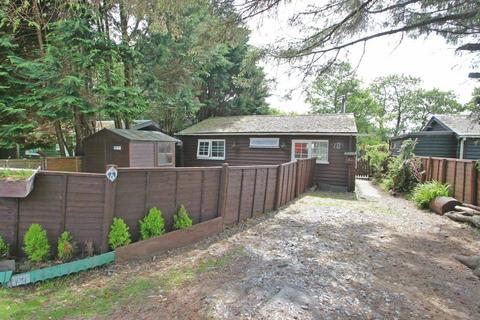 2 bedroom chalet for sale - Llanwnda, Caernarfon