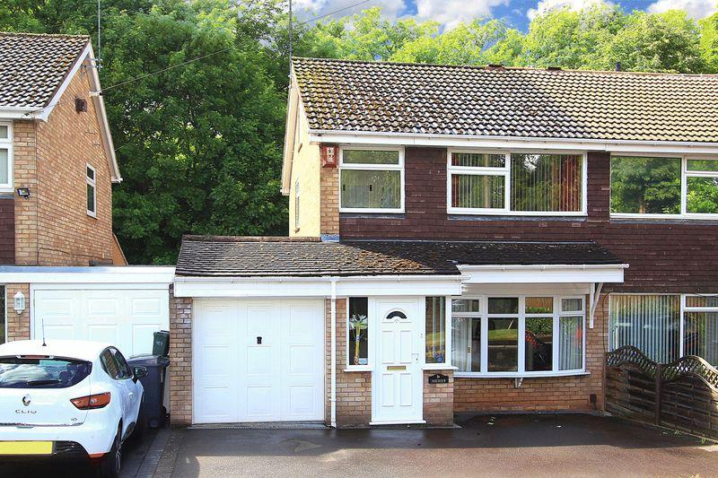 2 Bedrooms Semi Detached House for sale in CASTLECROFT, Denham Gardens