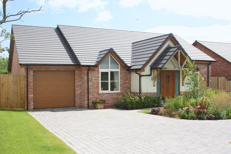 3 Bedrooms Bungalow for sale in Brickyard Lane, Drakes Broughton