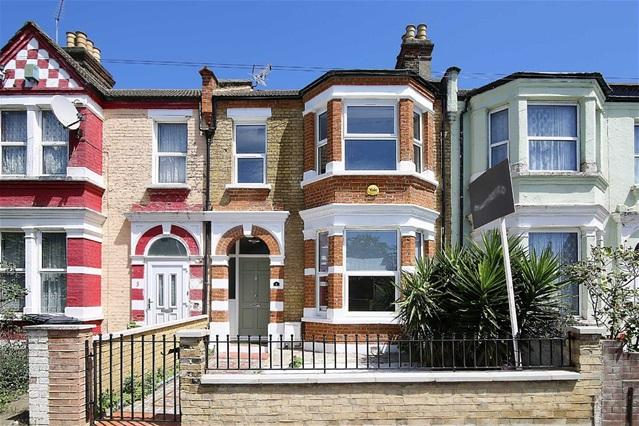 3 Bedrooms Terraced House for sale in Salisbury Road, Leyton