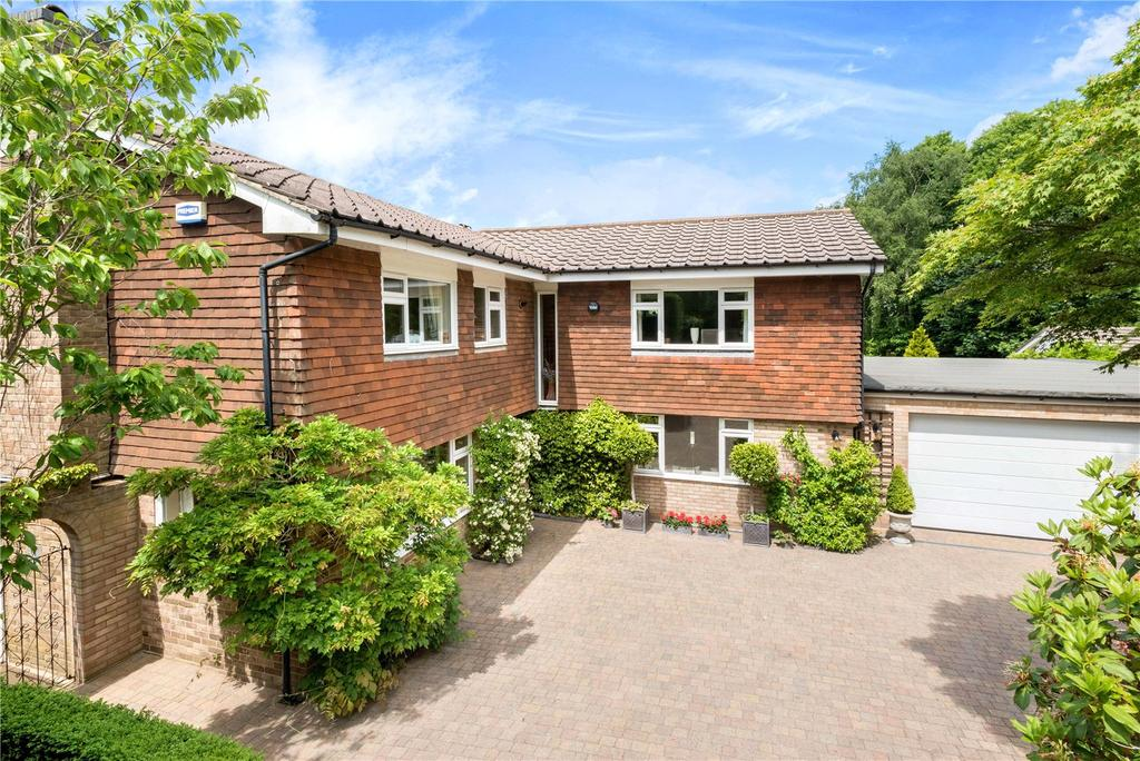 5 Bedrooms Detached House for sale in Chichester Drive, Sevenoaks, Kent, TN13