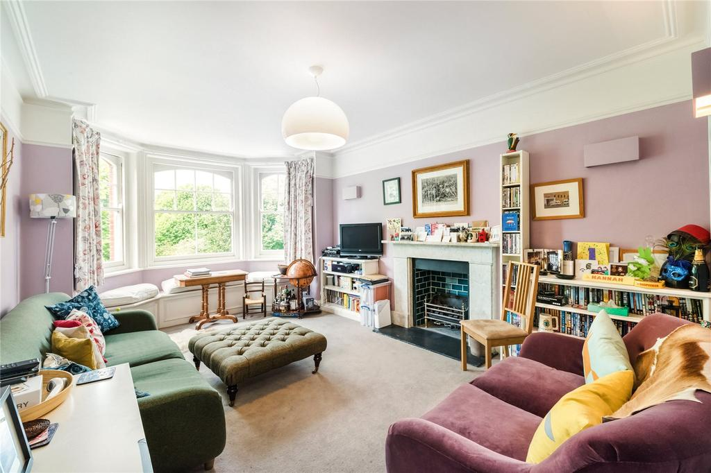 2 Bedrooms Maisonette Flat for sale in Yarrell Mansions, Queen's Club Gardens, West Kensington, London, W14