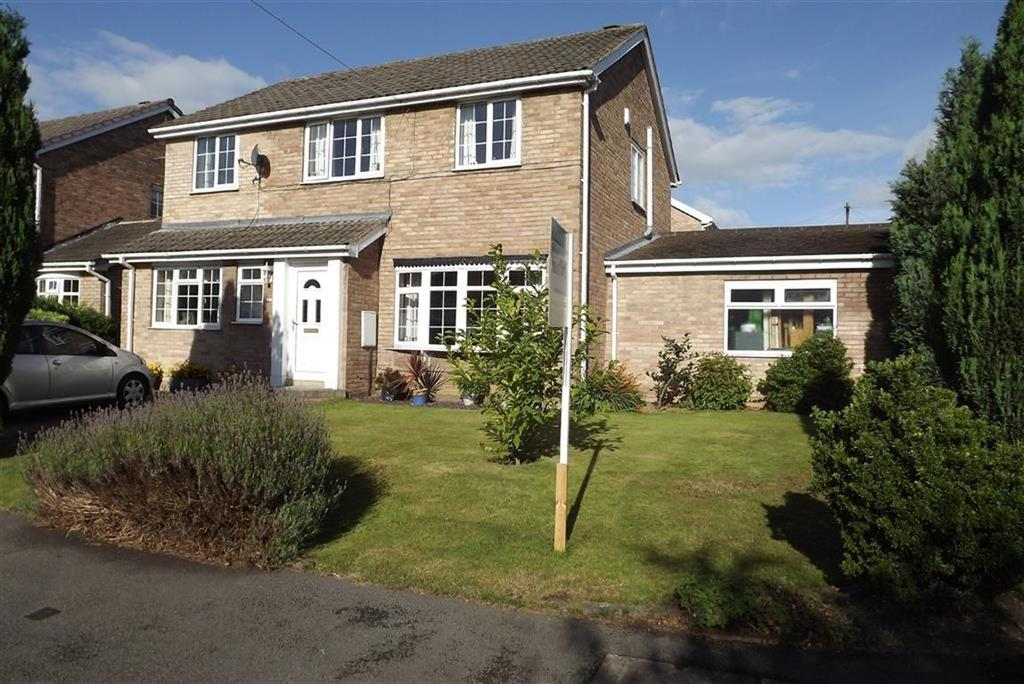 4 Bedrooms Detached House for sale in Roman Road, Darton, Barnsley, S75