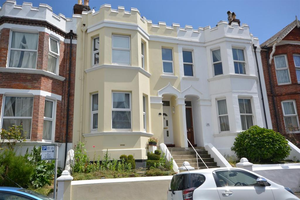 4 Bedrooms House for sale in Milward Road, Hastings