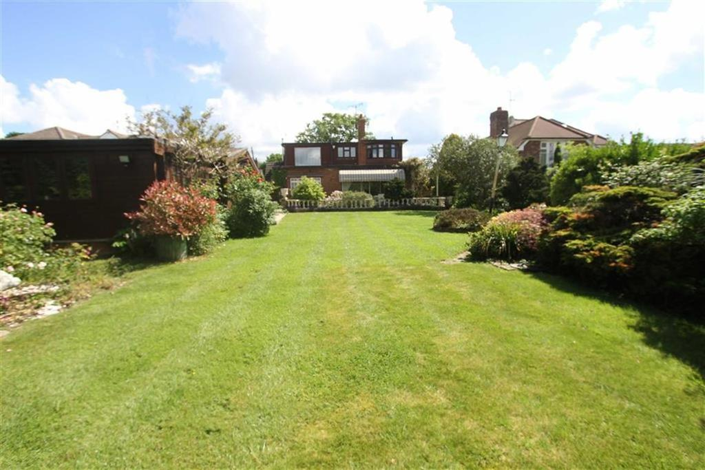 4 Bedrooms Detached House for sale in Church Road, Ramsden Bellhouse, Essex, CM11 1RH