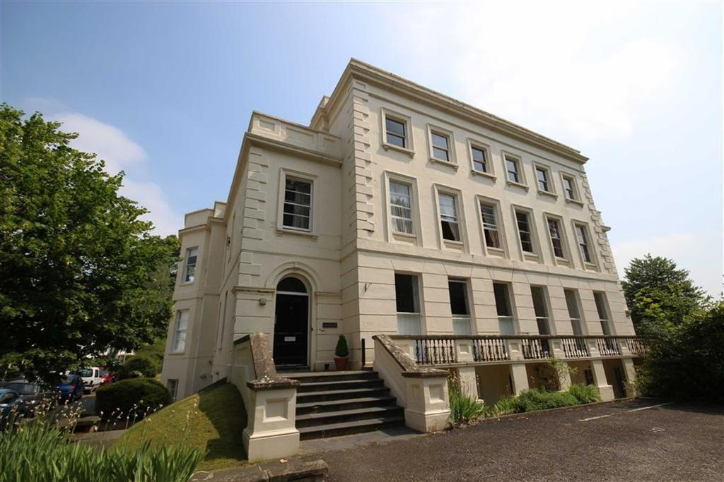 1 Bedroom Flat for sale in London Road, Central, Cheltenham, GL52