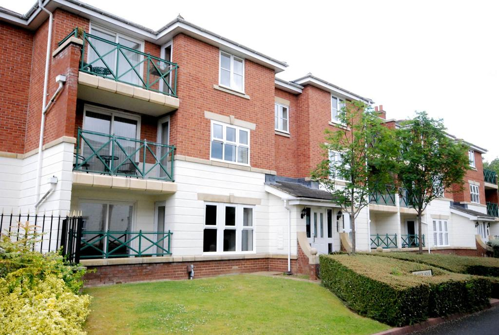 2 Bedrooms Flat for sale in Belvedere Gardens, Benton