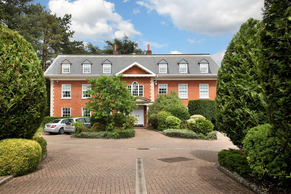 4 Bedrooms Penthouse Flat for sale in Turnberry, Whinshill Court, Cross Road, Sunningdale
