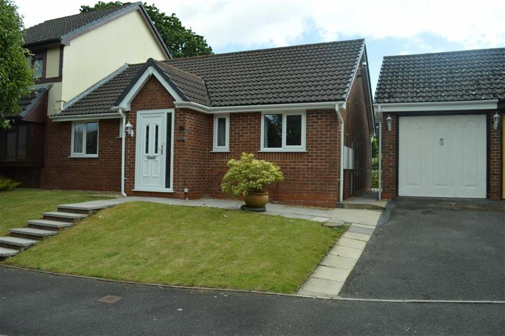 2 Bedrooms Semi Detached Bungalow for sale in Clos Pengelli, Swansea, SA4