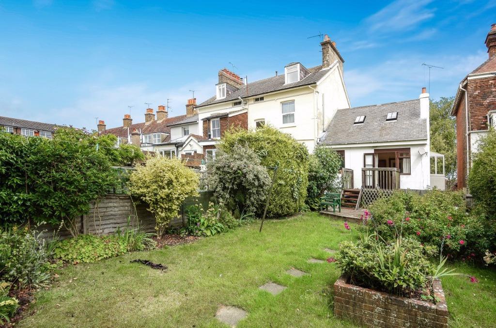 2 Bedrooms Maisonette Flat for sale in High Street Hurstpierpoint West Sussex BN6