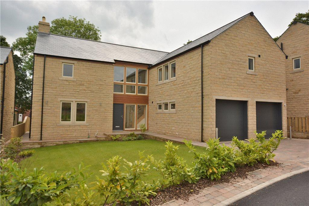 5 Bedrooms Detached House for sale in Church Gardens, Drighlington