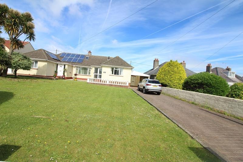 2 Bedrooms Semi Detached Bungalow for sale in Steynton Road, Milford Haven, Pembrokeshire. SA73 1AH