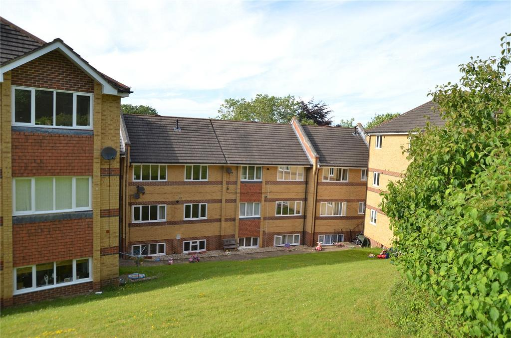 2 Bedrooms Apartment Flat for sale in Wheeler Court, Armour Hill, Tilehurst, Reading, RG31