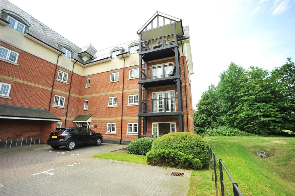 2 Bedrooms Apartment Flat for sale in Edmund Rice House, Milan Walk, Brentwood, Essex, CM14