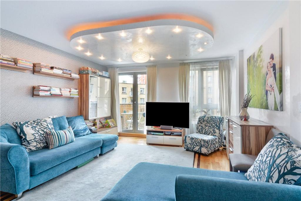 2 Bedrooms Flat for sale in Carronade Court, Eden Grove, Holloway, London, N7