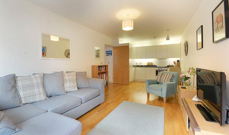 2 Bedrooms Flat for sale in Amelia Street, London, SE17