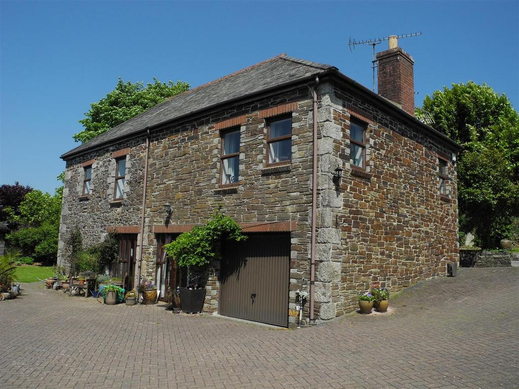 6 Bedrooms Barn Conversion Character Property for sale in Kilhallon, Par