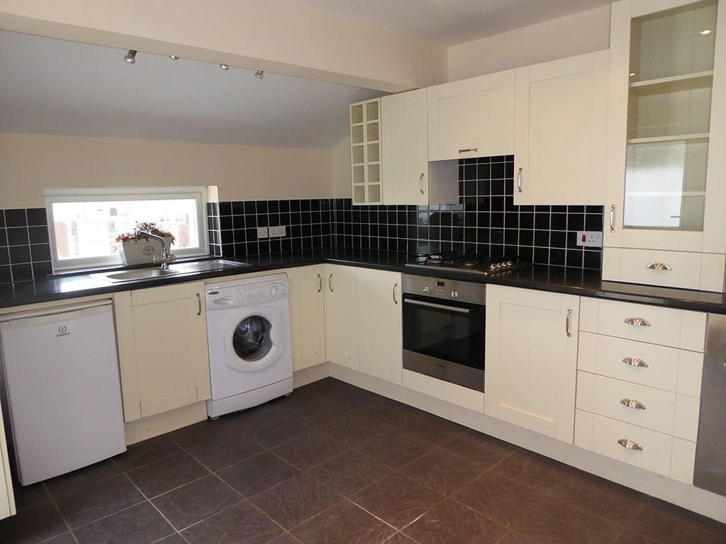 3 Bedrooms Semi Detached House for sale in Coalbrook Road, Grovesend, Swansea, SA4