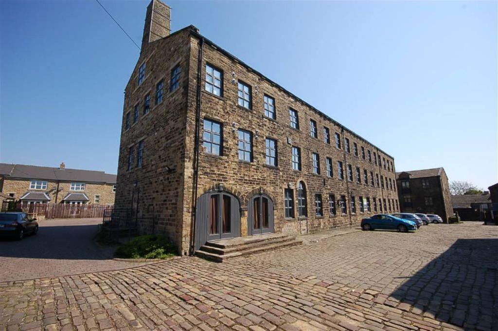 1 Bedroom Flat for sale in Clayton Heights, Bradford, BD13 2SL