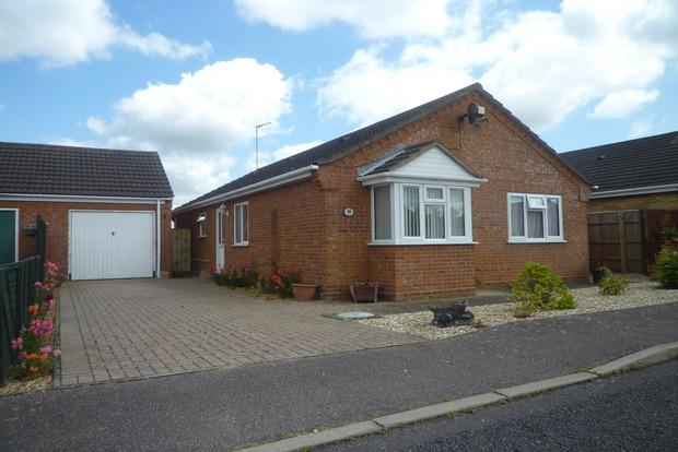 3 Bedrooms Detached Bungalow for sale in St. Marks Road, Gorefield, Wisbech, PE13