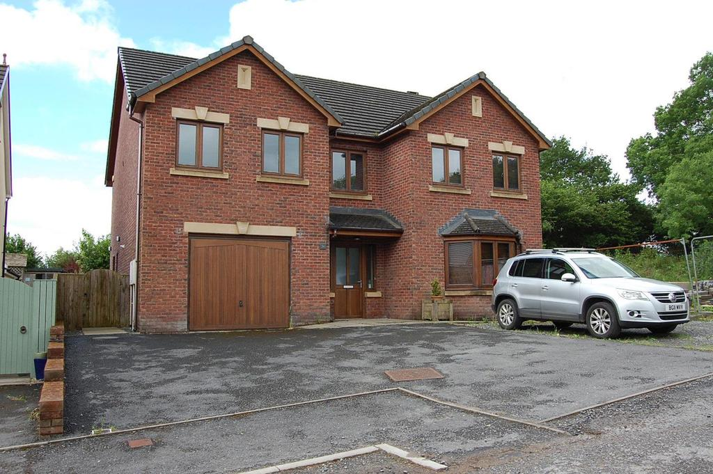 6 Bedrooms Detached House for sale in Parc Pencae, Llandybie, Ammanford
